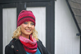 Foothills Hat & Cowl in Dream in Color Classy