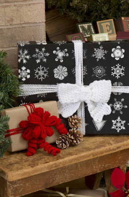 Glamour Gift Bows in Red Heart Holiday - LW3182EN - Downloadable PDF