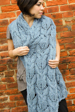 Cabled & Lace Muffler in Imperial Yarn Native Twist - F02
