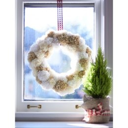 Pompom Wreath in Bernat Softee Chunky