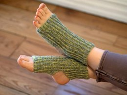 Crochet Yoga Socks in Plymouth Yarn Sakkie - F643