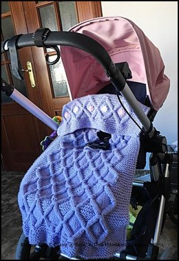Cabled check blanket to fit car seat, pram or pushchair