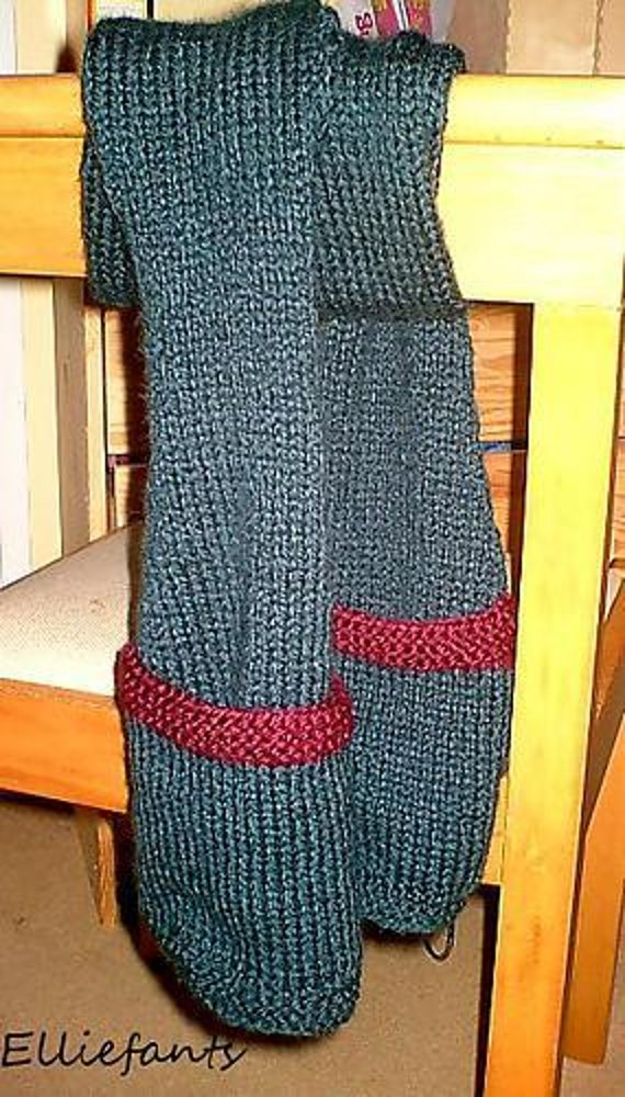 The Ambia Pockets Scarf Knitting pattern by Ellie ...