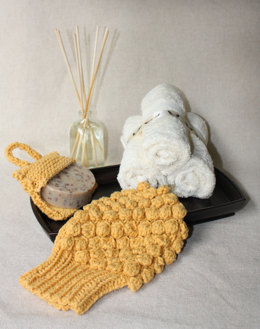 Spa Scrubby and Soap Pocket in Lion Brand Cotton-Ease - L0430AD