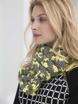 Neon Cabled Scarf in Lion Brand Wool-Ease Thick & Quick - L32386