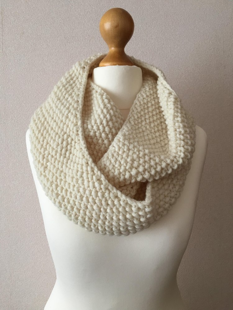Seed Stitch Infinity Scarf Knitting Pattern By Lisalovesknitting