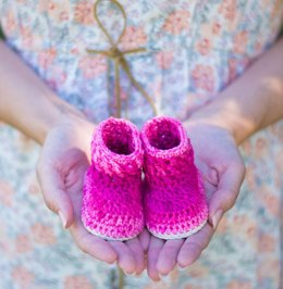 Cable Stitch Crochet Baby Booties