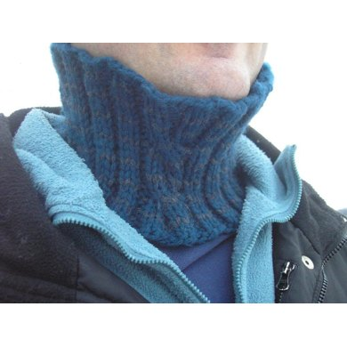 Fast & Easy One-Skein Reversible Cabled Neckwarmer
