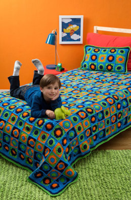 Kids Twin Bed Afghan & Pillow in Red Heart Super Saver Jumbo & Economy Solids - LW4417 - Downloadable PDF