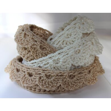 Nesting Bowls with Drop over Lace Edge