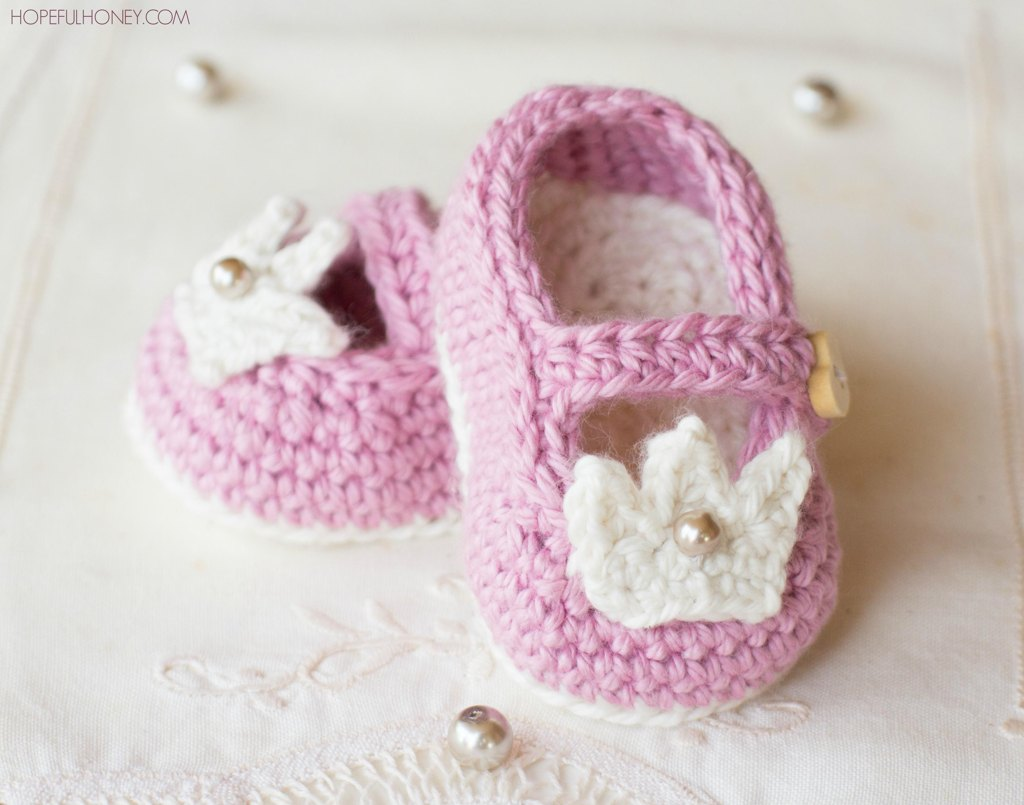Bootees Crochet Patterns | LoveCrochet