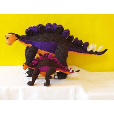 STEVE STEGOSAURUS AND BABY TOY DINOSAUR KNITTING PATTERN MADMONKEYKNITS