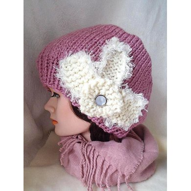 749 HAT with KNIT FLOWER