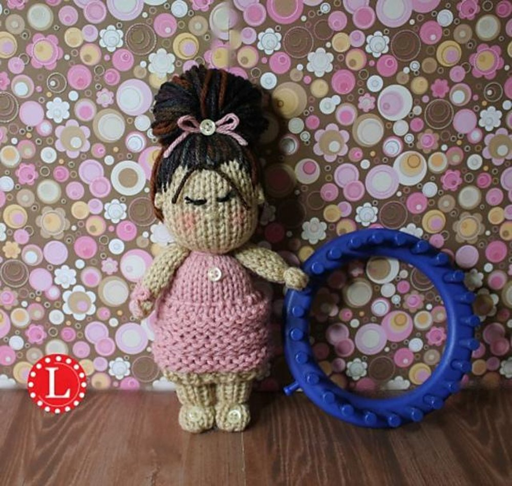 Loom knit cupcake skirt tiny dolls loom knitting pattern by denise zoom bankloansurffo Image collections