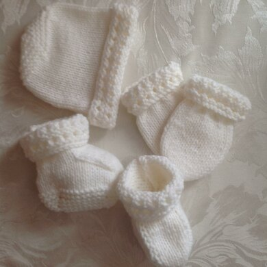 White Baby Hat Mittens bootie set