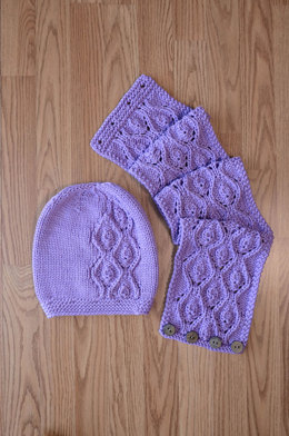 Idyll Hat And Cowl in Universal Yarn Ariana