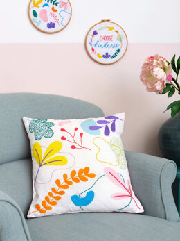 Anchorfreestyle: Ana Clara Graphic Floral Cushion EmbroideryKit