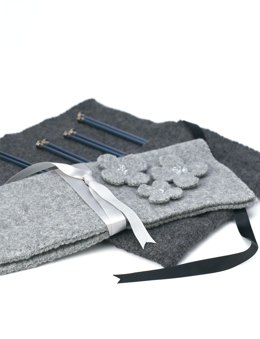 Felted Knitting Needle Case in Patons Classic Wool Worsted
