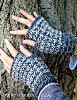 Dogwood Fingerless Gloves