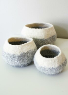 """Knit Wool Felt Graduated Ombre Pods / Bowls (in 4"""", 6"""", and 8"""" diameter)"""