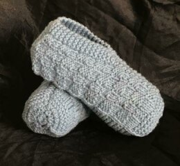 Knitted Adult Slippers with a Plaid Pattern