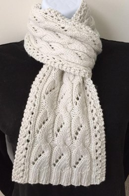 The Phoebe Lacy Cabled Scarf