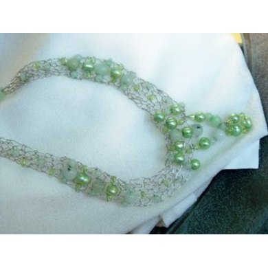 Soothing Aloe Pearl Knitted Necklace