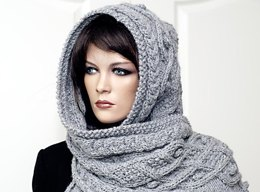 Marit - Hooded scarf with cables and nubs
