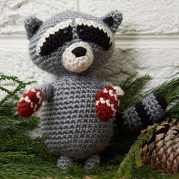 Raccoon Ornament in Red Heart Soft - LW3700EN