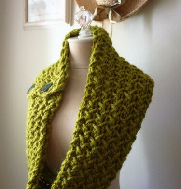 Embraceable Cowl Scarf Knitting Pattern By Brenda Lavell