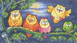 Heritage A Hoot of Owls, 28 count Evenweave Cross Stitch Kit - BFHO1296-28C