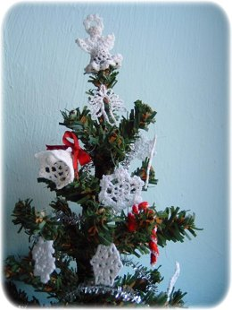 1:12th scale Crochet Christmas Tree Decorations