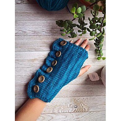 Fauna Fingerless Mitts