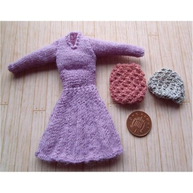 1:12th scale Ladies dress and snood c. 1939