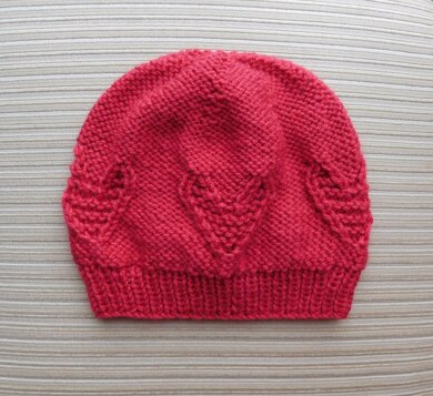 Hat with Garter Stitch Hearts for a Lady