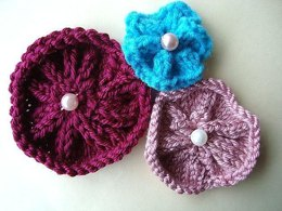 691 knitted flower