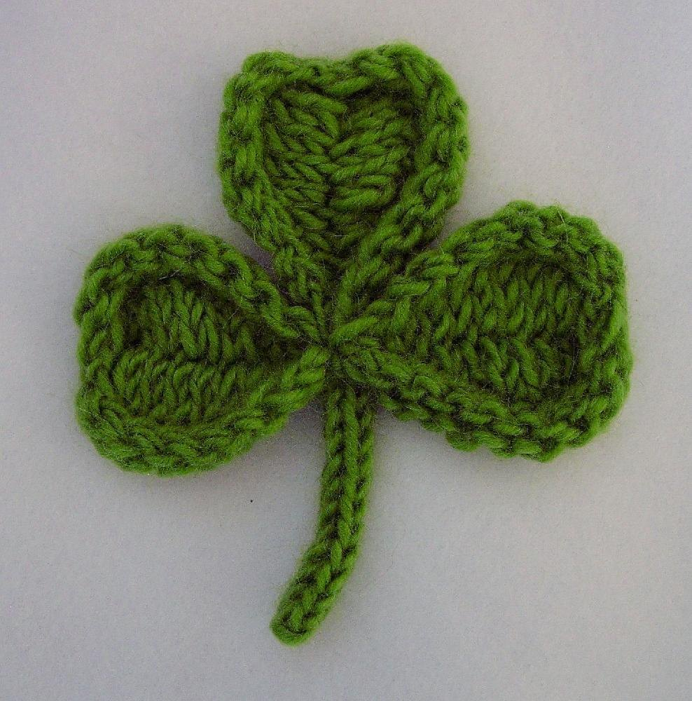 shamrock and four leaf clover pin knitting pattern by cheryl