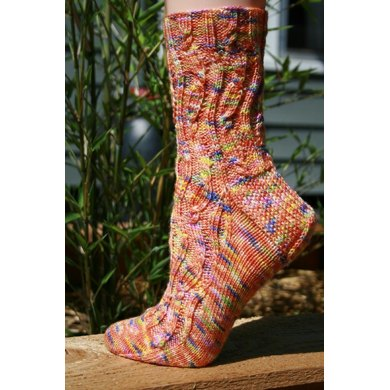 Wavering Cable Socks