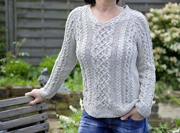 """""""Joyce"""" - summer sweater with cables"""