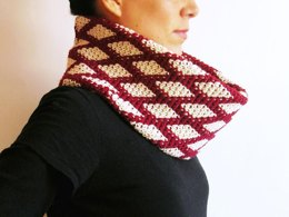 Diamonds cowl