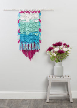 Discand Puff Wall Hanging in Premier Yarns Everyday Bulky - Downloadable PDF