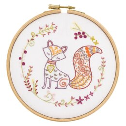 Un Chat Dans L'Aiguilles Bernard the Fox Contemporary Embroidery Kit - 15CM