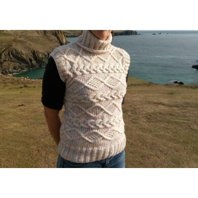Side knitted cabled tank top