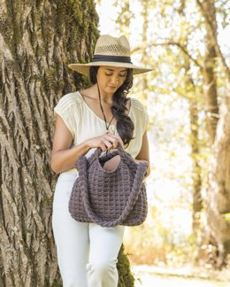 Essential Tote in Imperial Yarn Native Twist - PC040