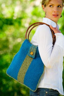 Shepherdess Felted Purse in Imperial Yarn Columbia - P125 - Downloadable PDF