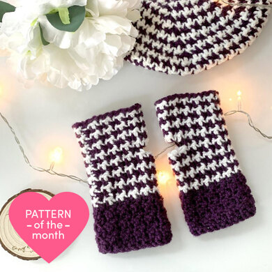 Classy Houndstooth Mitts