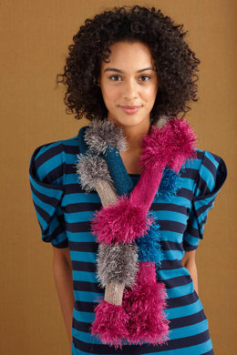Glamorous Furry Scarf in Lion Brand Vanna's Glamour and Vanna's Choice - L0695
