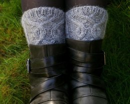Knotted boot cuffs