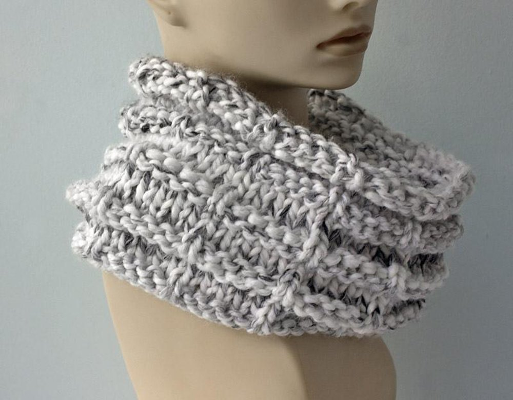 Easy Chunky Knit Cowl Knitting Pattern By Judith Stalus