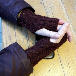 Cabled Handwarmers